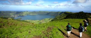 walking in the Azores Lagoa do fogo